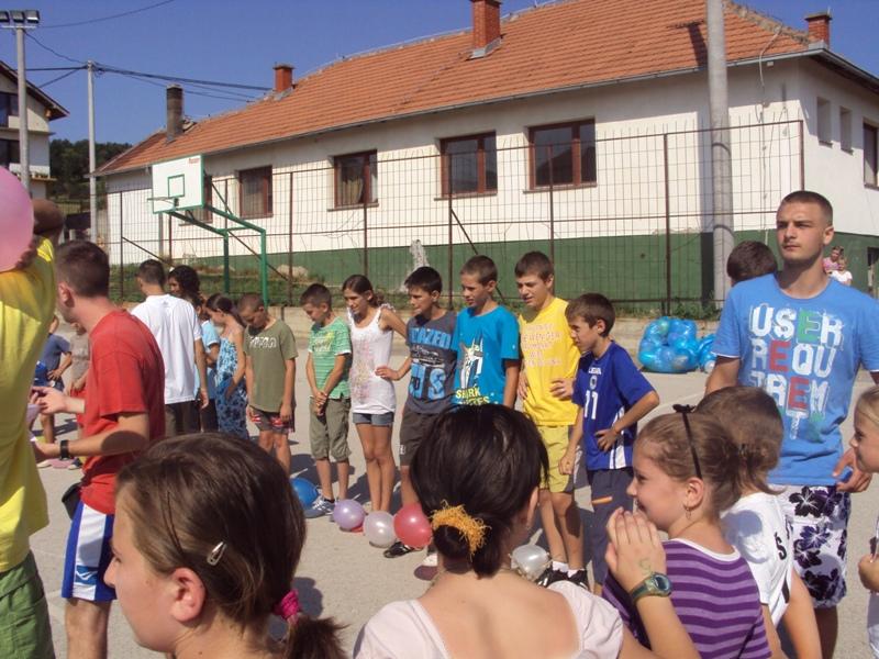 Pregedate slike iz članka: Mladi Italijani u Sapni