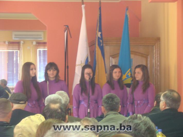 Pregedate slike iz članka: Obilježen Dan nezavisnosti i 21 godina 206. viteške brigade