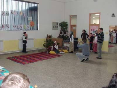 Pregedate slike iz članka: Priredba u školi u Vitinici