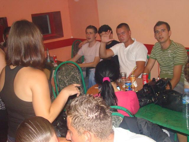 Pregedate slike iz članka: Kemal Malovčić u Vitezovima