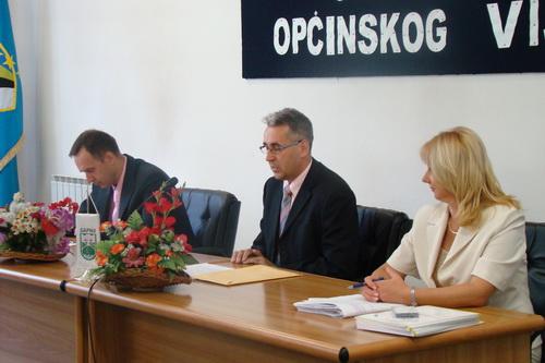 Pregedate slike iz članka: Općina Sapna dobila certifikat OSCE-a