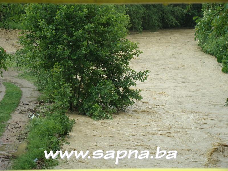 Pregedate slike iz ?lanka: Poplave