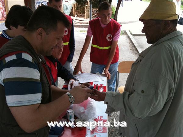 Pregedate slike iz članka: Akcija Crvenog križa