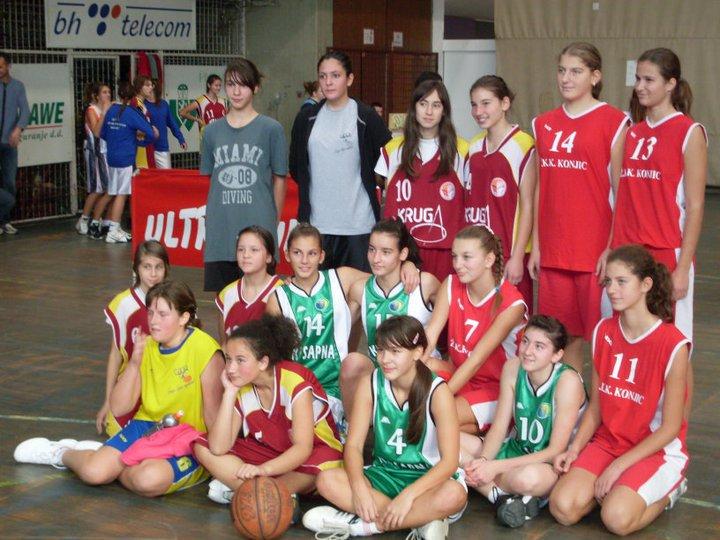 Pregedate slike iz članka: Uspjeh košarkašica KK Sapna