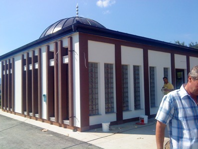 Pregedate slike iz članka: Otvoren kompleks Šehidsko mezarje