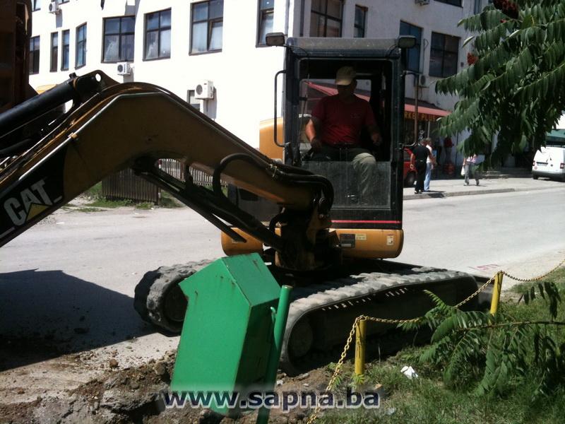 Pregedate slike iz članka: Počela rekonstrukcija puta kroz centar