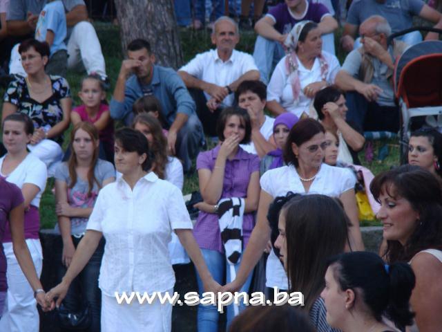 Pregedate slike iz članka: Festival folklora - Sapna 2010