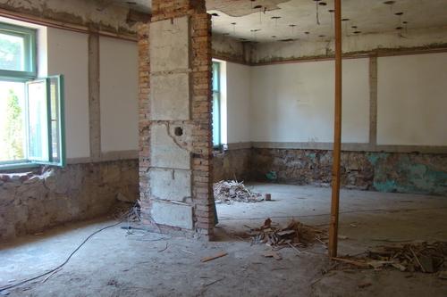 Pregedate slike iz članka: Započela rekonstrukcija Općine